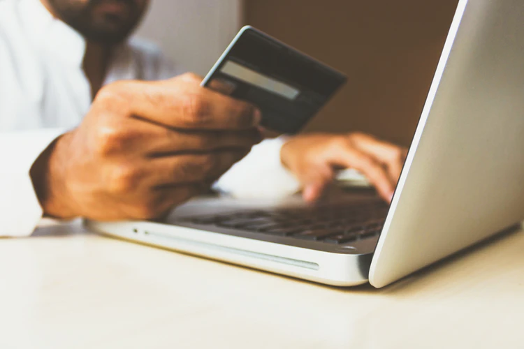 Industries that Thrive Best in the eCommerce Landscape 5
